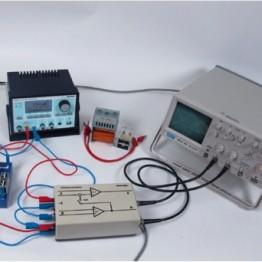 Kompletny zestaw eksperymentalny Filtry górnoprzepustowe i dolnoprzepustowe, z wykorzystaniem cyfrowego generatora funkcyjnego