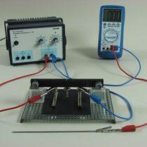 Kompletny zestaw eksperymentalny: Natężenie pola elektrycznego