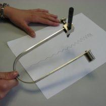 Kompletny zestaw eksperymentalny: Wizualizacja drgań widełek strojowych