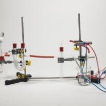 Kompletny zestaw eksperymentalny: Porównanie roztworów gazowych i wodnych amoniaku