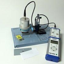 Kompletny zestaw eksperymentalny: Minerał promieniotwórczy jako źródło różnych rodzajów promieniowania