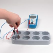 Kompletny zestaw eksperymentalny: Napięcie elektryczne pochodzące z roztworu soli
