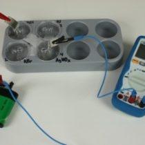Kompletny zestaw eksperymentalny: Produkty rozpuszczalności halogenków srebra