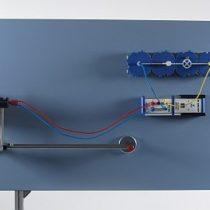 Kompletny zestaw eksperymentalny: Energia elektryczna z energii wiatrowej - wpływ prędkości i kierunku wiatru oraz obciążenia