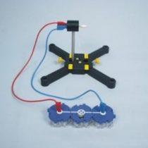 Kompletny zestaw eksperymentalny: Przemiana energii mechanicznej na energię elektryczną
