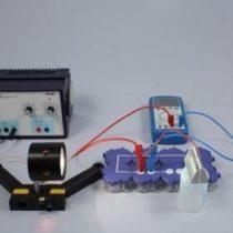 Kompletny zestaw eksperymentalny: Wpływ natężenia oświetlenia na napięcie i natężenie prądu ogniwa słonecznego