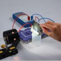 Kompletny zestaw eksperymentalny: Wpływ wielkości powierzchni ogniwa słonecznego na napięcie i natężenie prądu