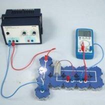 Kompletny zestaw eksperymentalny: Zależność napięcia i natężenia prądu ogniwa słonecznego od natężenia światła