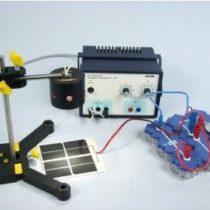 Kompletny zestaw eksperymentalny: Magazynowania energii elektrycznej ogniwa słonecznego za pomocą kondensatora