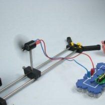 Kompletny zestaw eksperymentalny: Magazynowanie energii elektrycznej z energii wiatru za pomocą akumulatora