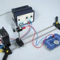 Kompletny zestaw eksperymentalny: Magazynowanie energii elektrycznej z energii wiatru za pomocą kondensatora