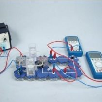 Kompletny zestaw eksperymentalny: Sprawność układu ogniwo paliwowe - elektrolizer