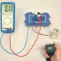 Kompletny zestaw eksperymentalny: Wytwarzanie energii elektrycznej z wykorzystaniem generatora termoelektrycznego