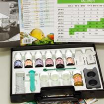 Laboratorium testowe do określania najważniejszych parametrów wody - pełny zestaw z odczynnikami